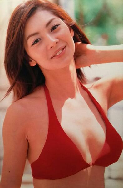 伊東美咲・市川由衣…【週刊プレイボーイ】2001年ページ切り取り