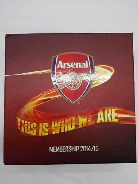サッカーメモラビア アーセナル 会員パック 2014/15 Arsenal グッズの画像