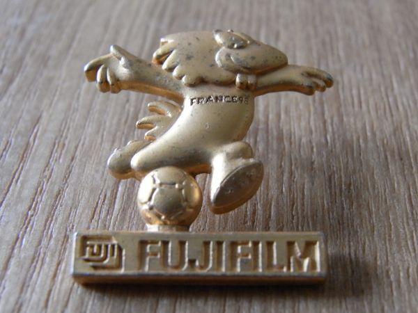 古いピンバッジ:富士フィルム フランス サッカー 広告 ピンズ P