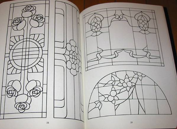 ステンドグラスパターンブック:実行可能なプロジェクトの為の88デザイン/ Stained Glass Pattern Book: 88 Designs (輸入品_画像5
