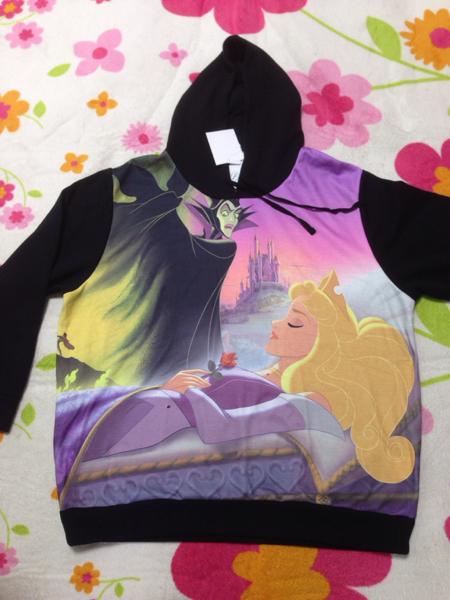新品 ディズニー 眠れる森の美女 パーカー XL マレフィセント ディズニーグッズの画像