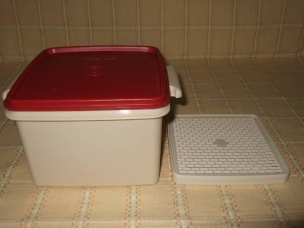 タッパーウェア 未使用 トリオ用・深型容器 1個 (エンジ)