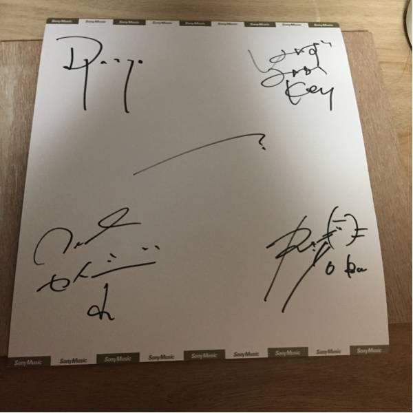 LILI LIMIT サイン色紙