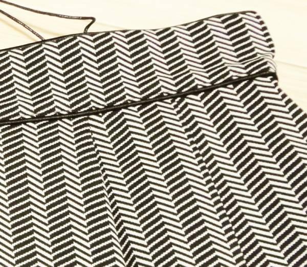 新品80%OFF マックスマーラ Max Mara デザインプリーツスカート グレー 38サイズ_画像2