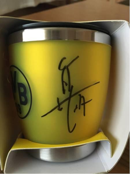 香川真司 ドルトムント サイン入マグカップ 公式サイトより グッズの画像