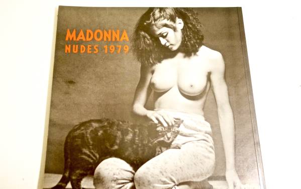 MADONNA/NUDES 1979 マドンナヌード写真集 中古美品! ライブグッズの画像