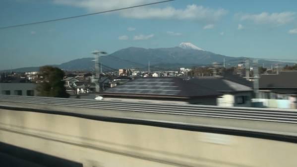 300系「ひかり511号」 車窓 東京→新大阪 (字幕無/有BD-R DL1枚)_富士山はまだ雪を被り始めたばかり