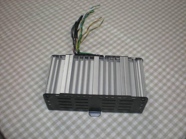 ボルボ VOLVO 940車のオーディオアンプ/配線コネクター付き!