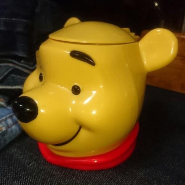 ディズニーオンアイス くまのプーさん マグカップ 小物入れ レア ディズニーグッズの画像