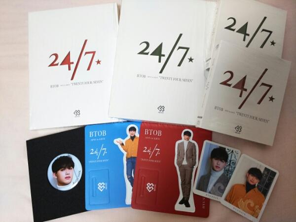 BTOB 24/7 CD4トレカ2ペーパースタンド2缶バッチ ヒョンシク ライブグッズの画像