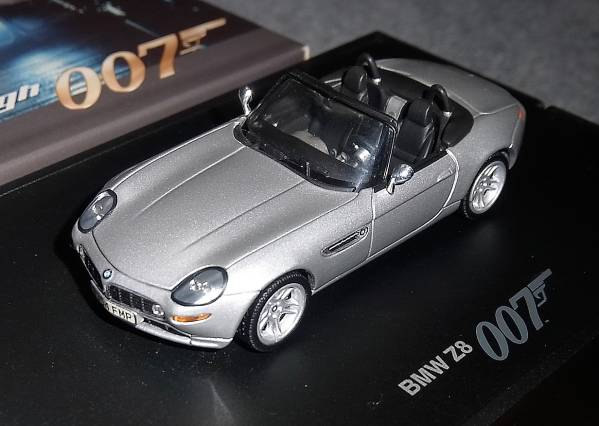 007 1/43 BMW別注 Z8 シルバー The World is not Enough_画像2