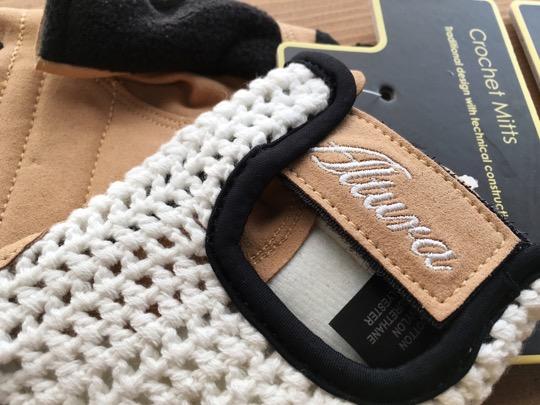 新品★Altura Classic Crochet Mitt クラシックな雰囲気 (M)_作りもよく、雰囲気も抜群