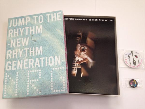 YUKI パンフレット 2008年 缶バッチ付【JUMP TO THE RHYTHM-】