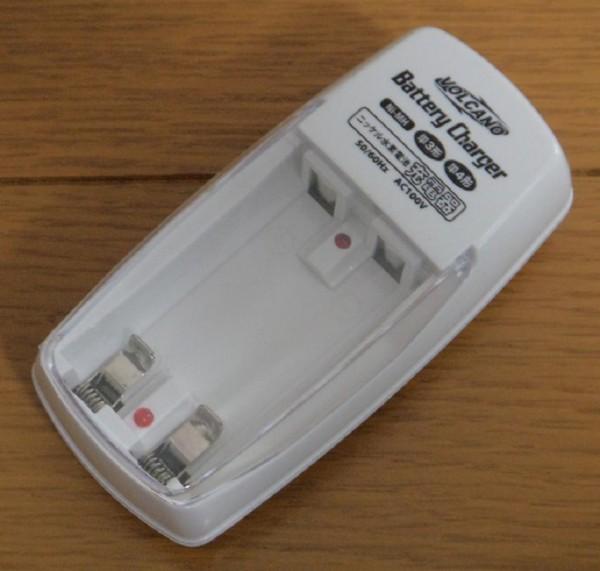 【充電器:1個】◆ 充電池用 充電器(単3・単4用) ◆ ニッケル 水素 電池 充電池_画像1