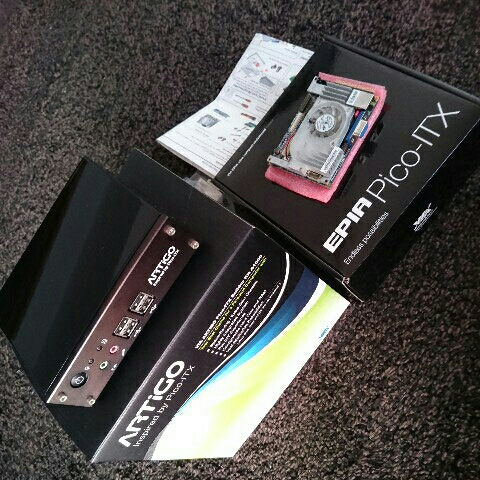 VIA ARTiGO  A1000  EPIA  Pico-ITX  ベアボーン  C7  1GHz