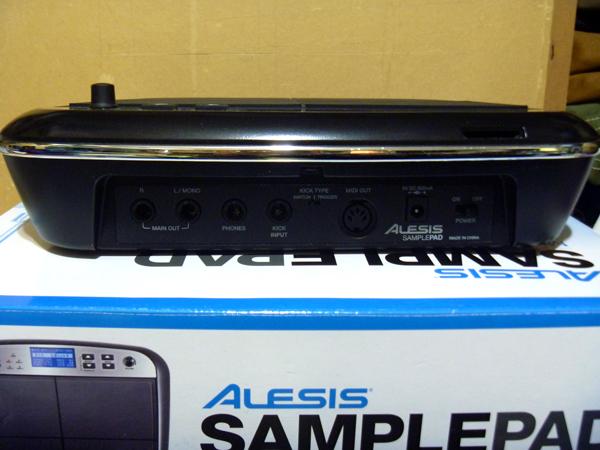 ALESIS SamplePad 電子ドラムパッド ドラムセット音源拡張に、ライブパフォーマンスに!オリジナルサンプリング音源も搭載可能_画像2