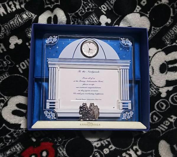 ディズニー アンバサダーホテル フェアリーテイルウェディング フォトフレーム 時計付き 写真たて 結婚式 記念品 非売品 グッズの画像