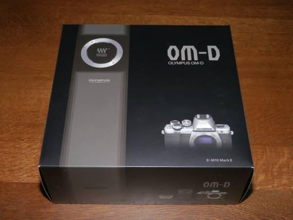 ■新品即決 OLYMPUS OM-D E-M10 mark Ⅱ ボディ ブラック 保証付 付属品完備_画像2