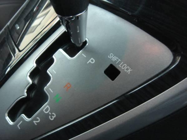 アルファード ANM10/MNH10 新品シフトロック解除ボタン 送料120円_画像2