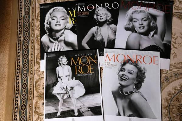 マリリンモンローの写真が使用されたカレンダー グッズの画像