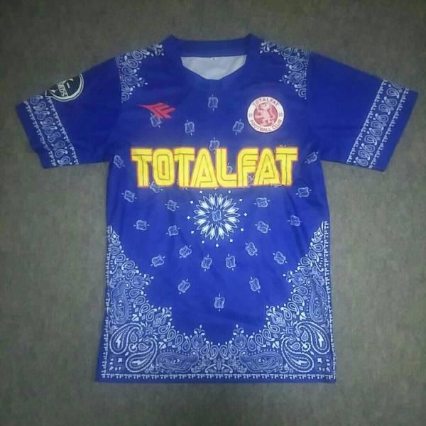 total fat TシャツMサイズ