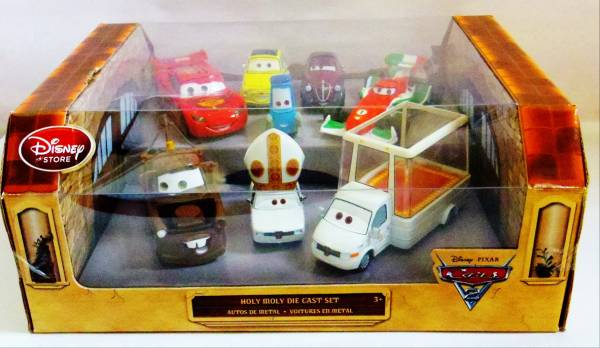 ディズニーピクサーカーズ2 ディズニーストア限定 ダイキャストカー8台セット ポープピニオン4世 ポープモービル 他_コンディションは画像で判断して下さい。