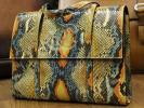 美品 シャネル CHANEL 最高級総ヘビ革エキゾチックマルチカラーリアルパイソンレザーCCスネークレザーハンドバッグ 本物保証 正規品
