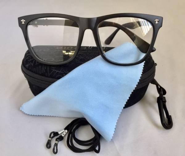 ファッション メガネ めがね イメージチェンジ 変装 変身 灰黒 メガネ 眼鏡 花粉 目保護 防御 コロナウイルス 飛沫 防止_便利なクリップ付メガネケース