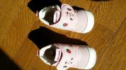 ミキハウス 靴 うさぎちゃん刺繍 サイズ 13.5  女の子シュ―ズ