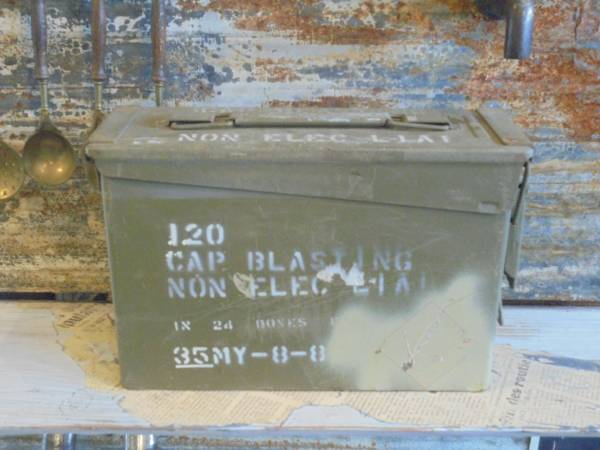 【フランス蚤の市ツールbox】道具箱古道具アンティーク入軍モノインダストリアル収納ケースアイアンインテリアヨーロッパ軍_画像1