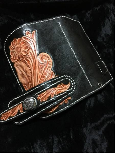 本革 3つ折り サドルレザー 長財布 フラワー 花 カービング レザー ウォレット ヌメ革 ブラック 黒 ロングウォレット コンチョ_画像2