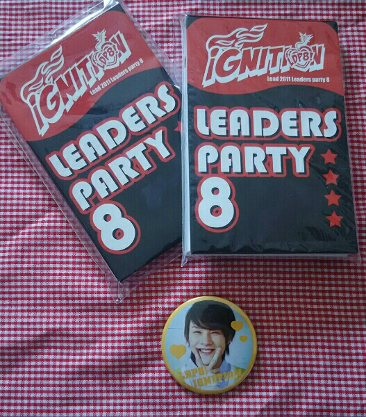 Leadメモ帳×2、缶バッチ(古屋敬多)