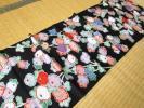 ◆正絹 古布 ハギレ 縮緬 黒 キクの花◆