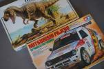 タミヤ 1/24 三菱パジェロ '92年パリ〜ルカップ優勝車 & 1/35 恐竜ティラノサウルス 情景セット 未組立 ジャンク品 2個セットで!