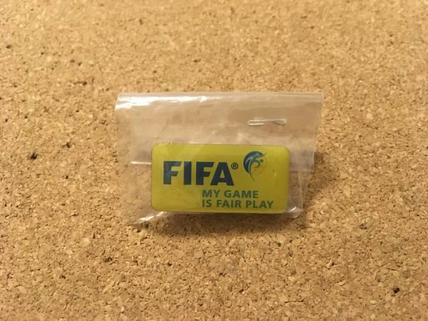 ★ 最新版 FIFA FAIR PLAY ワールドカップ ピンバッジ ★