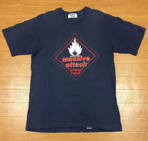 90s MASSIVE ATTACK 初期 ビンテージ Tシャツ イギリス製 マッシヴアタック / banksy radiohead nirvana gimme five sonic youth rap tee