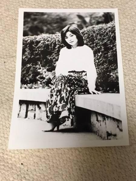 太田裕美 白黒生写真