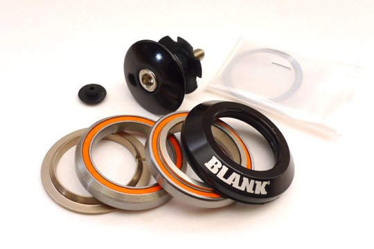 新品激安★BLANK ヘッドパーツ 黒(45°×45° カンパ・ヒドゥンセット規格)_シンプルでリーズナブルですが必要十分