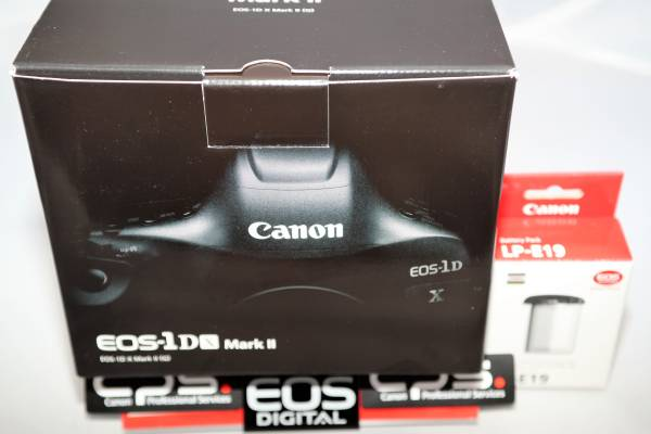 《新品》 Canon キヤノン EOS-1D X Mark II + LP-E19