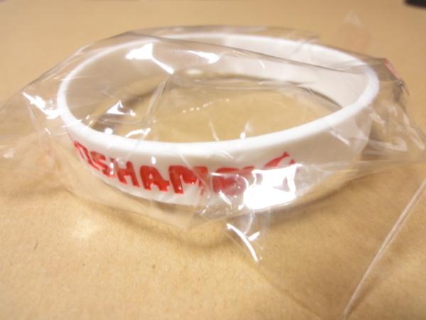 [グッズ] SHISHAMO ラバーバンド 白×赤 (未開封) / ししゃも ラババン リストバンド