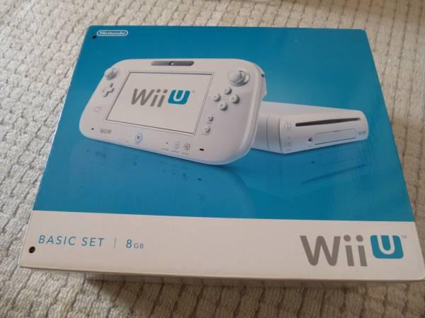 Wii U ベーシックセット 8GB 中古 化粧箱パンチ穴有り(初期化済)