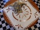 フランス蚤の市 J9 アンティーク 白糸手刺繍の角型ドイリーとクロシェプチドイリー 2枚セット