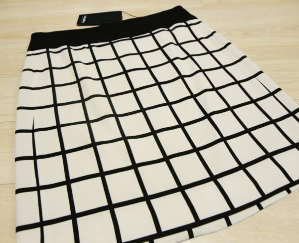 新品78%OFF マックスマーラ Max Mara デザインスカート ブラック×ホワイト 38サイズ_画像2