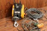 美品 リョービ RYOBI RYOBI ウィンチ WI-61C 工具 電動 リモコン付き kd000272