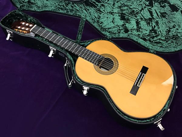 ■アリア クラシックギター AC-300