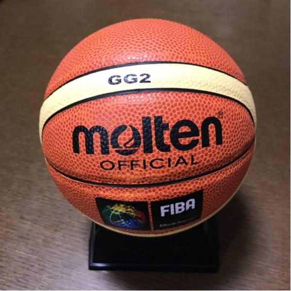 サインボール バスケットボール 台付き 新品同様 グッズの画像