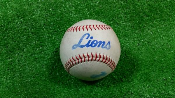 ②西武ライオンズ旧ロゴ球団練習球 実使用球 グッズの画像