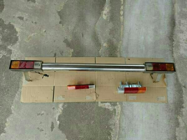 ジムニー ja11 社外ステンレス リアバンパー 中古 予備用のテールランプ、テールレンズ付き