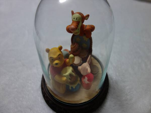 ■ヴィンテージ品■ディズニー ガラスドーム 置物 プーさん ピグレット ティガー 陶器 フィギュア アンティーク雑貨 オブジェ レトロ 昭和 ディズニーグッズの画像