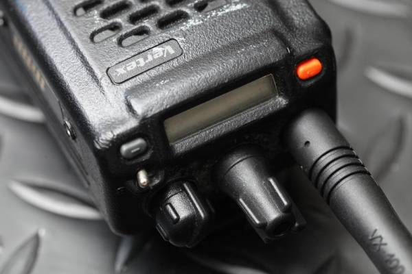 Vertex VX-800V 無線機 アンテナ長短2本付き NYPD LE装備【ジャンク品】【送料無料】_画像3